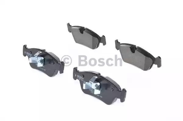 Комплект тормозных колодок BOSCH 0 986 494 096 (BP1006, E1 90R-011199/109, 23999, 8347D122)